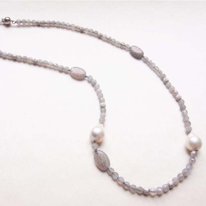 【靈感的月亮】不規則天然珠 配 拉長石 頸鏈