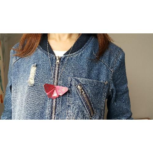 手工縫製 - 彩繪的皮革蝴蝶頸鏈