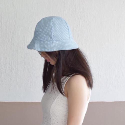 湖水藍小波點漁夫帽(雙面)