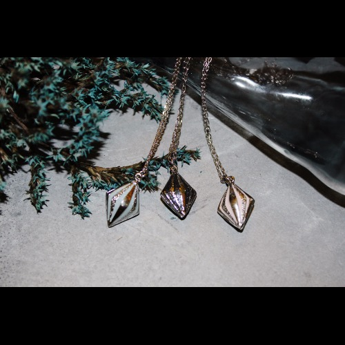 菱形軟陶項鍊-珠光淡藍/珠光黑/淡粉