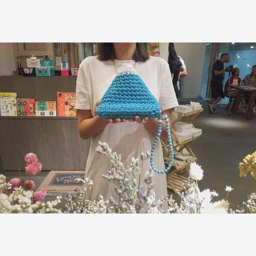 Bujielite Duo CHUNG Bag 富士山雙色鈎織三角形小袋子,可訂制