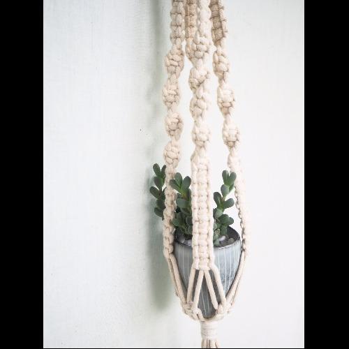 【生活小風景•手工編織植物吊籃•象牙白•平結編織花紋】