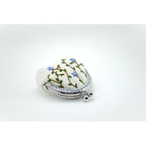 CaCa Crafts | 花刺繡 迷你口金包