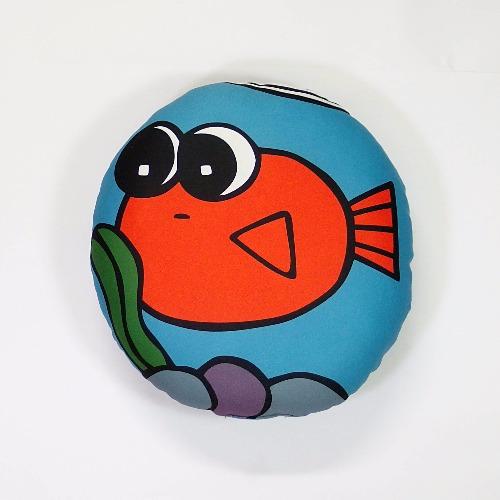 圓圓的抱枕 / 金魚