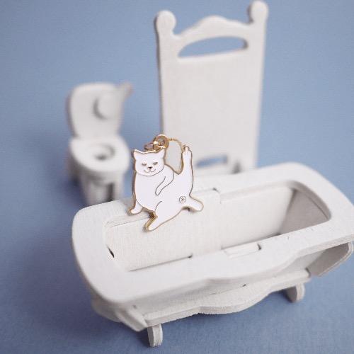 白 貓 淺金色 頸鏈 項鍊 首飾 中指敬禮