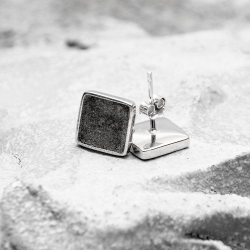 黑水泥正方形銀耳環(銀) - 幾何系列