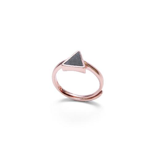 黑水泥三角形銀指環/戒指(玫瑰金) - 幾何系列
