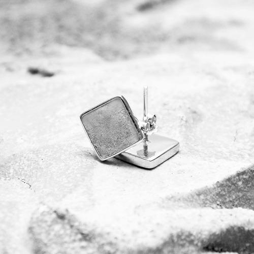 灰水泥正方形銀耳環(銀) - 幾何系列