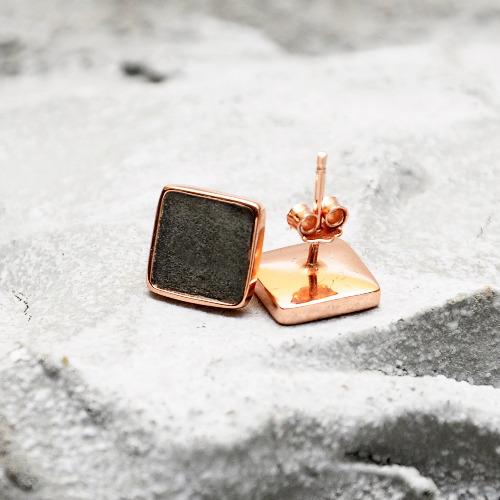 黑水泥正方形銀耳環(玫瑰金) - 幾何系列
