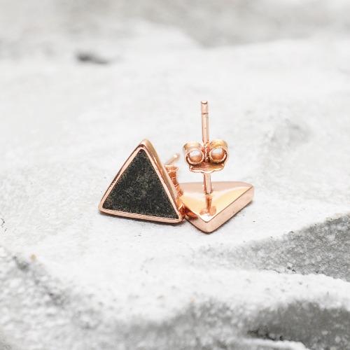 黑水泥三角形銀耳環(玫瑰金) - 幾何系列