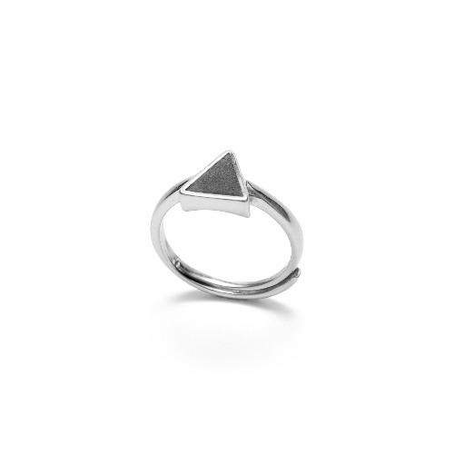 黑水泥三角形銀指環/戒指(銀) - 幾何系列