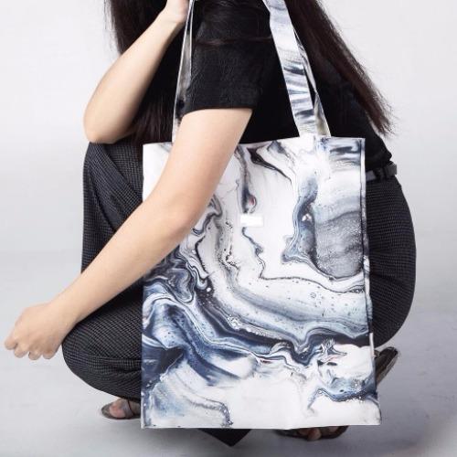 The flow canvas bag
