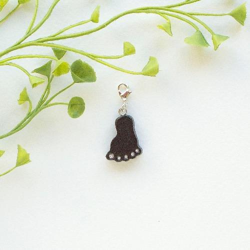 【Honeywood】木製吊飾 》》小腳阪。吊飾