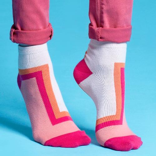 棉襪-女生襪子-簡約襪子-粉紅短襪