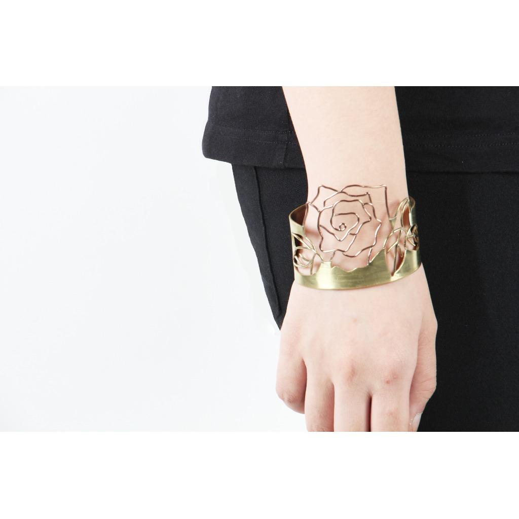 (訂製)玫瑰鑲空手鐲【戀愛三部曲 Love Collection】
