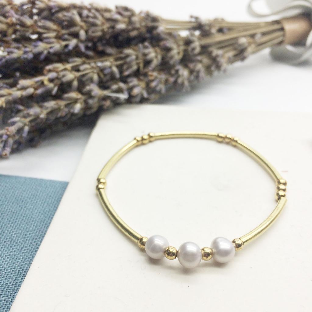 老林雜貨Travelin-灰藍色的低調 珍珠黃銅手鍊