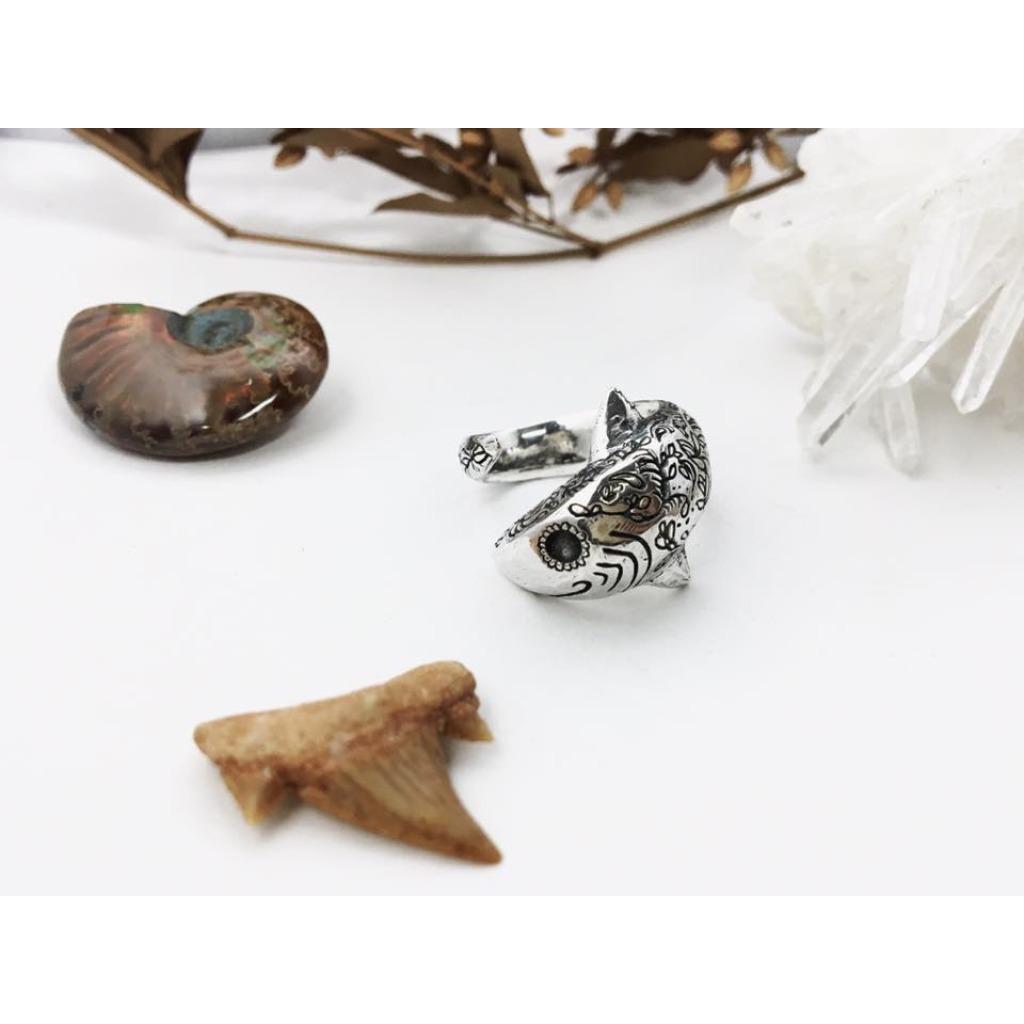 纏繞雕花/鯊魚戒指/純銀
