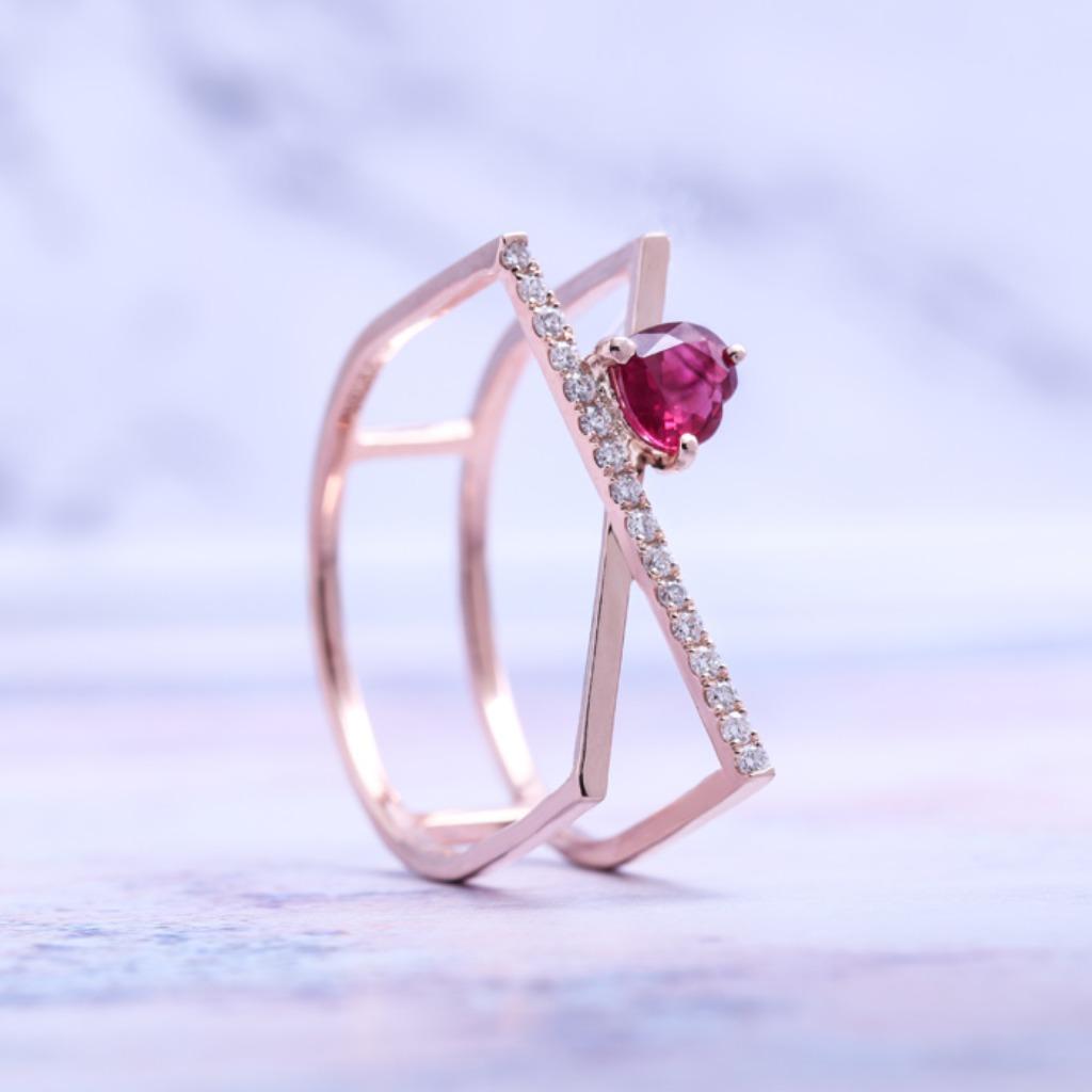 18K金 極簡風心型紅寶戒指
