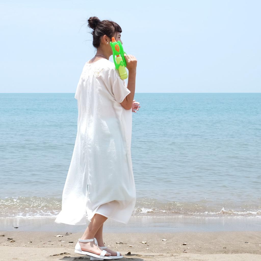 水汪汪透洋裝 / 刺繡貓-白