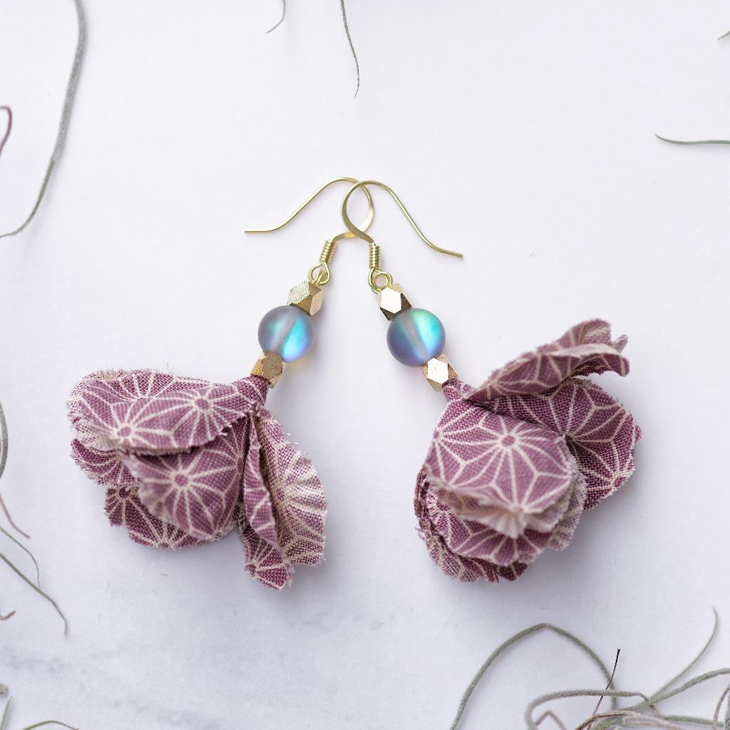 Sonoko 園子 日本和柄粉紫布花深色月閃石垂墜耳環