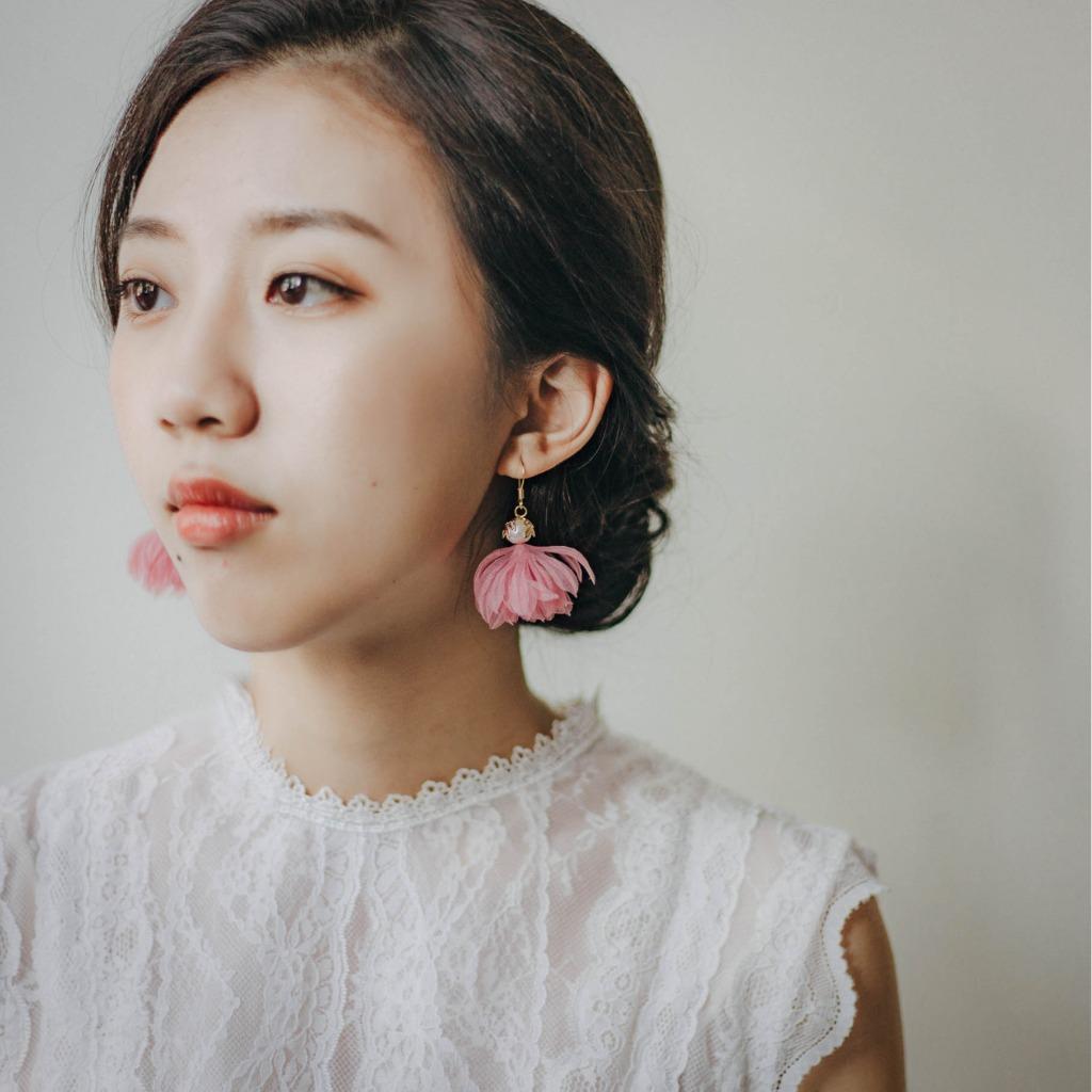 Patricia 芭蕾舞伶粉色紗棉花珍珠短耳環