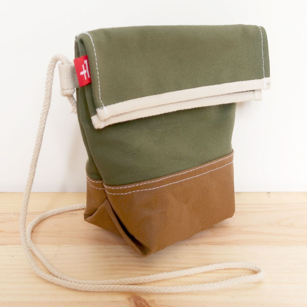 Plus 1 軍綠色帆布斜背小袋 Army Green Canvas Crossover Small Totebag