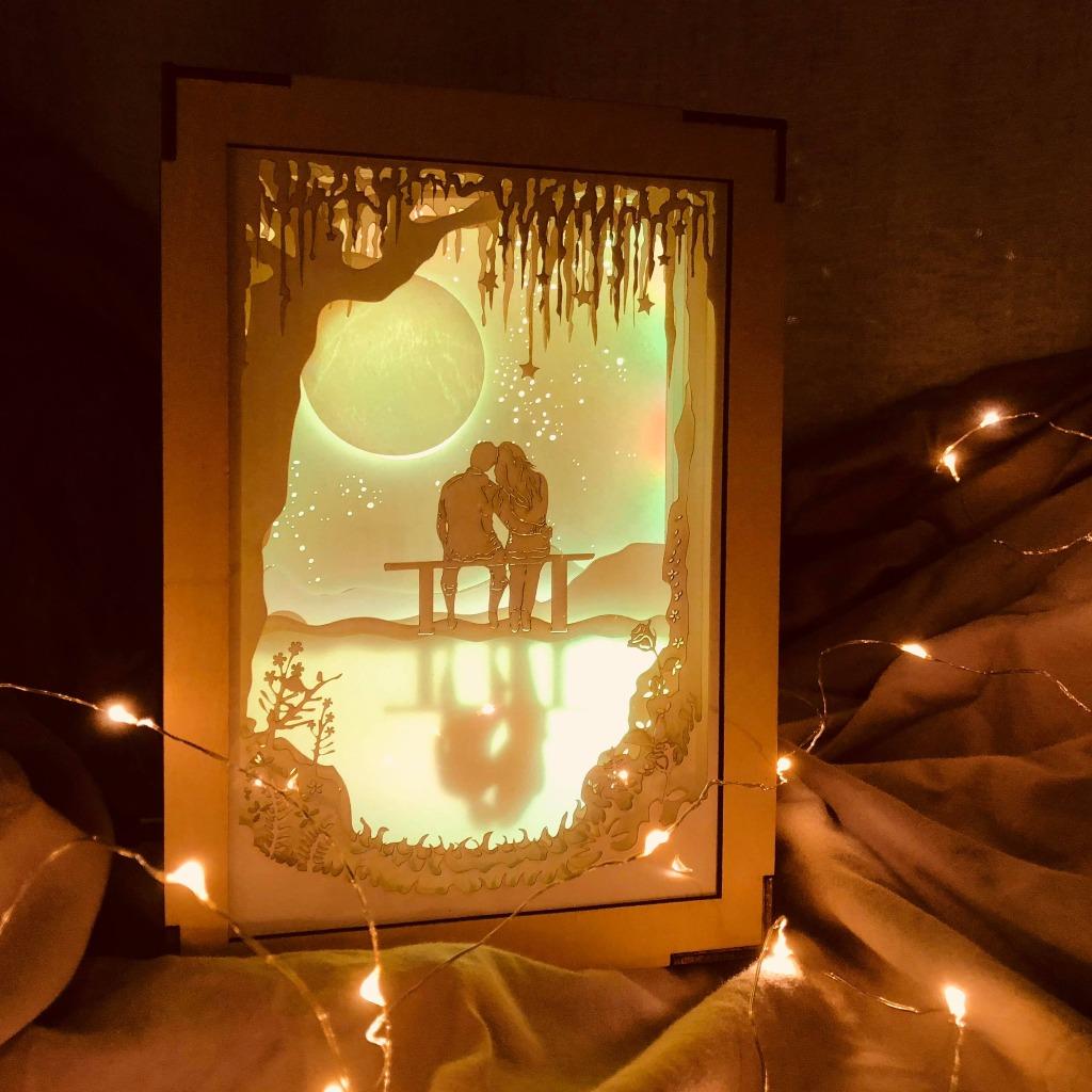   光影故事   紙雕小夜燈   月球下的我們 相依  