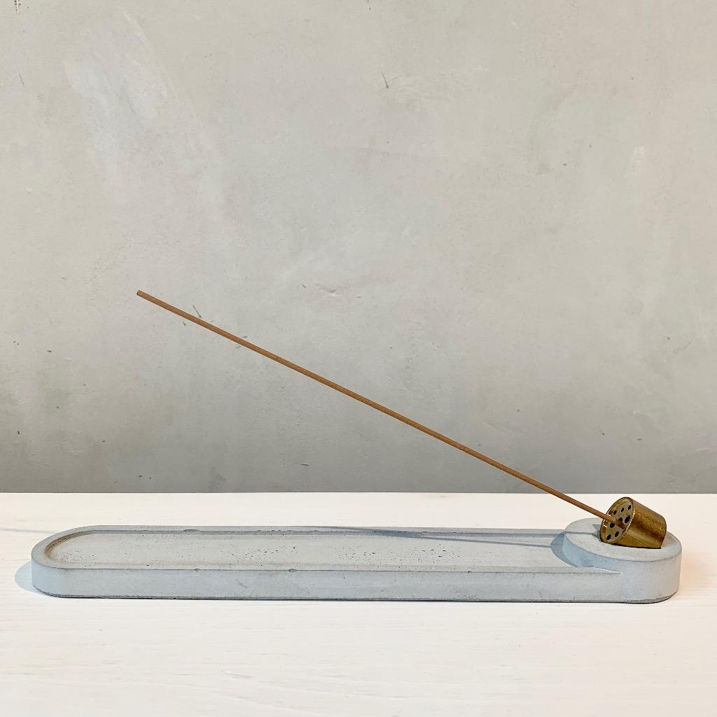 水泥x黃銅 線香座 | 長條圓形 | 灰