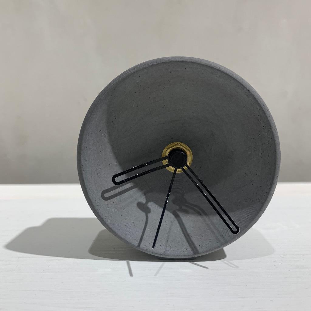 水泥座枱時鐘 |小型弧面 | 深灰
