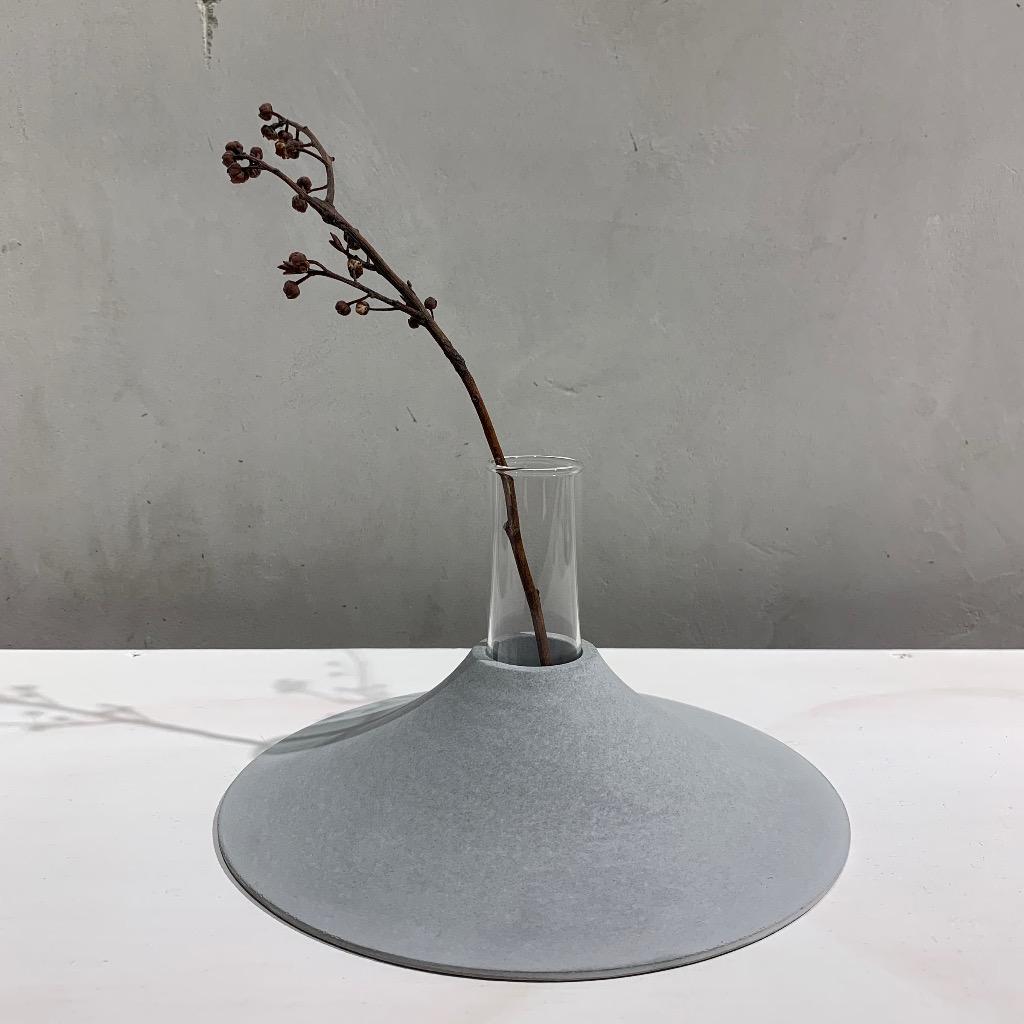 水泥花瓶 | 大型 | 平 | 灰