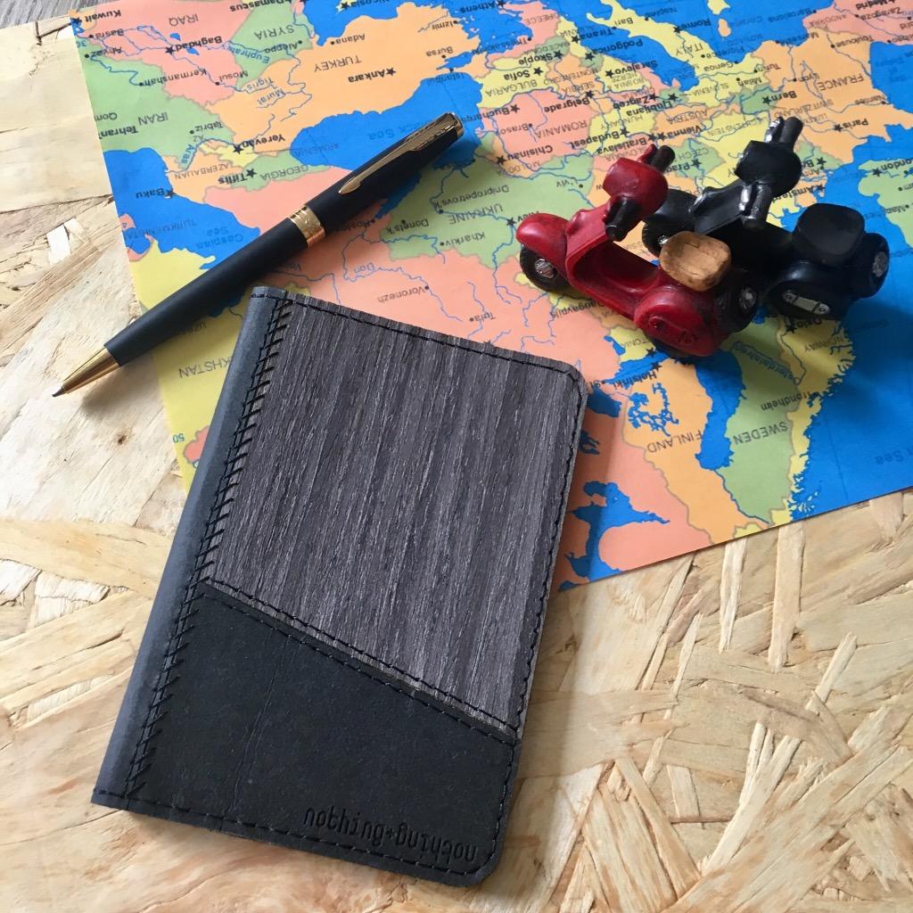 木製配洗水牛皮紙護照套