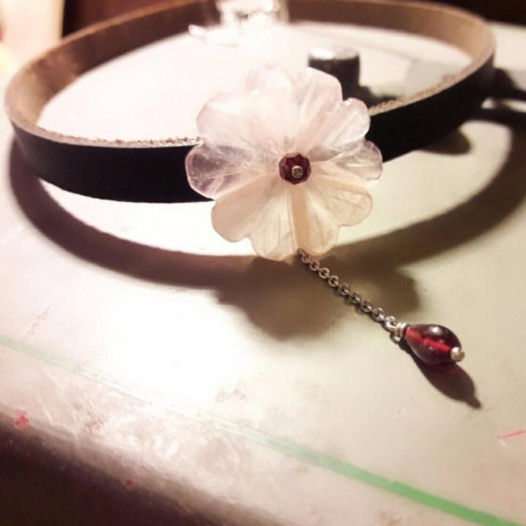 項鍊 粉晶花瓣 紅石榴石牛皮頸鍊