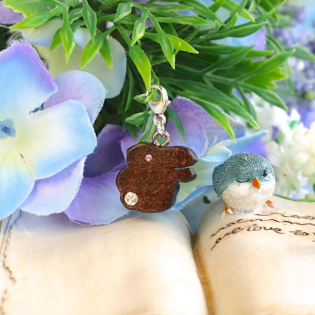 【Honeywood】手工木製吊飾 兔 。吊飾 禮物訂製