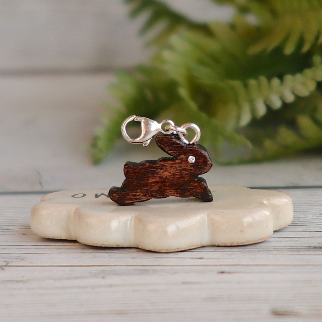 【Honeywood】手工木製吊飾 》》兔。吊飾 禮物訂製