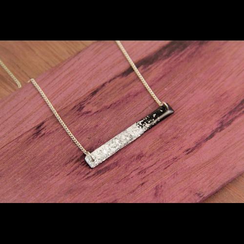 簡約 純銀 銀箔 黑膠唱片 手工 鎖骨 項鍊 Patrizia // Silver Desert