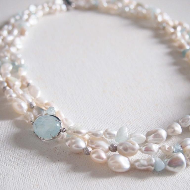 海藍寶【勇敢之石】 配 不規則天然珍珠頸鏈